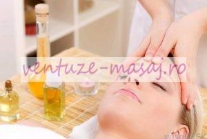 masaj facial cu ulei de masaj